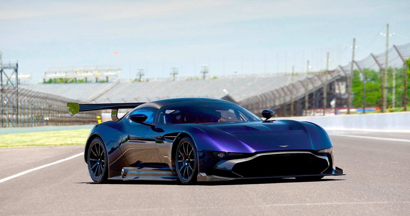 Usa S First Aston Martin Vulcan Struggles To Sell Thanks To Huge