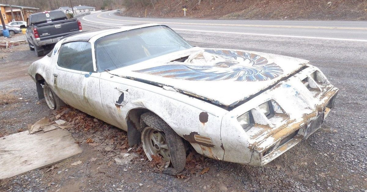 10 GM Cars That Were Rust Buckets (And 10 That Never Rusted)