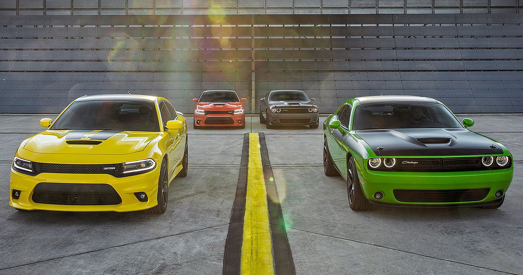 Charger Vs Challenger >> Which Dodge Should You Buy Charger Vs Challenger Hotcars