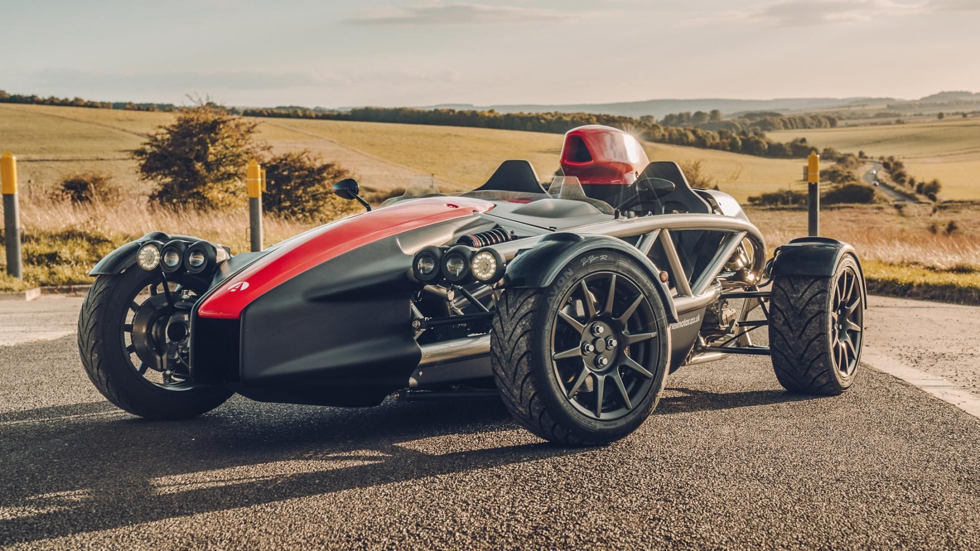 5 British Sports Cars Made For The Track (5 That Are Built For Touring)