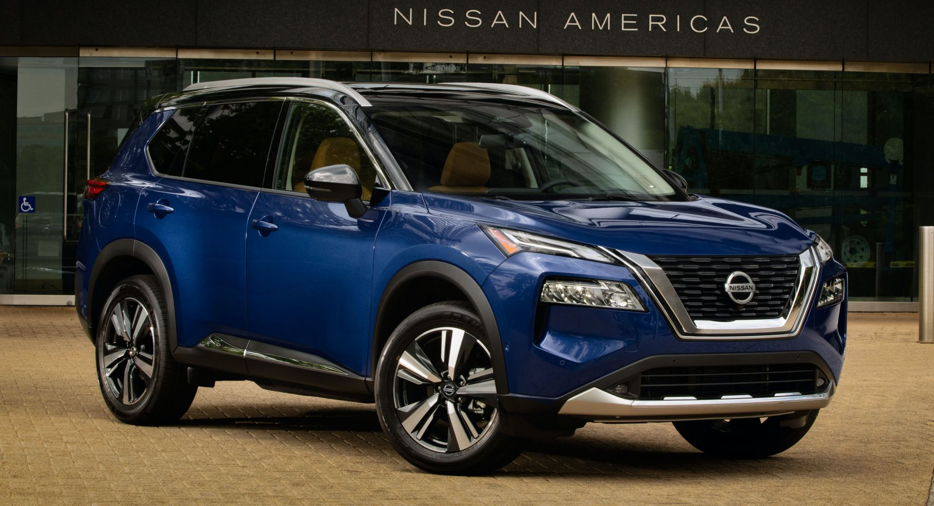 Donald Trump Is Enthralled By Nissan's Production Of The 2021 Rogue In America