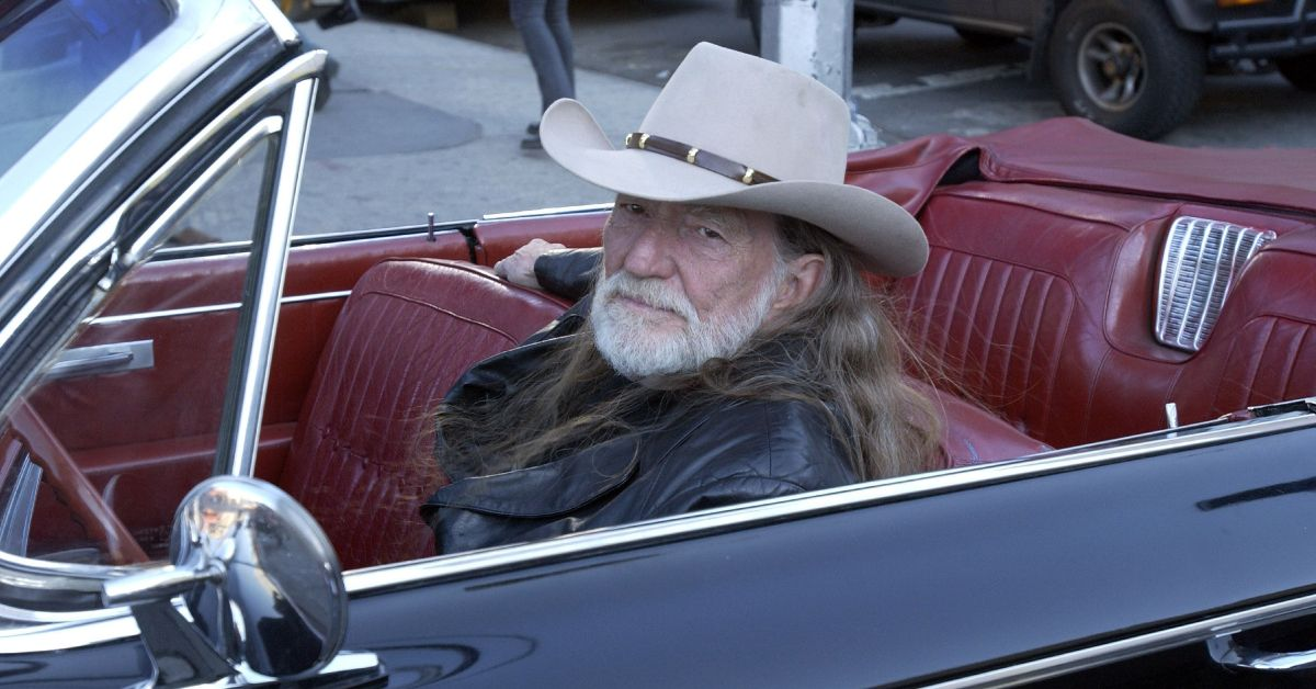 Here's What Willie Nelson Drives | HotCars