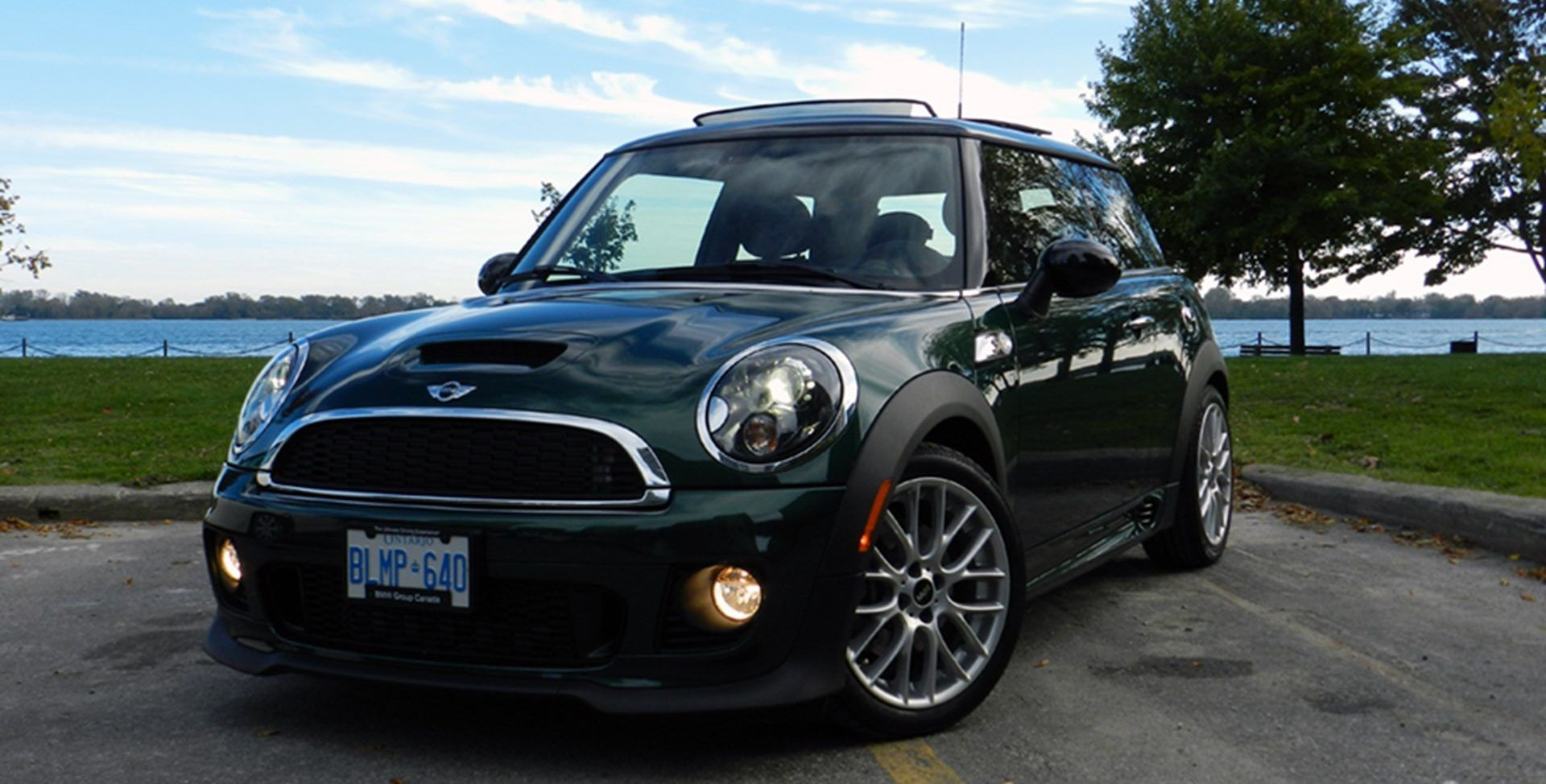 Here's Why You Should Buy A Mini Cooper S | HotCars