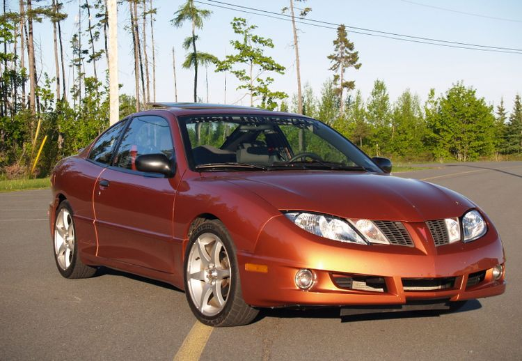 The Pontiac Sunfire GT Is The 90s Sport Coupe You Missed Out On