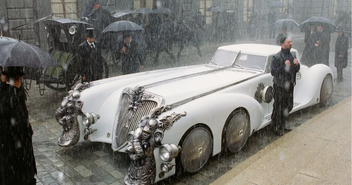 A Detailed Look At The Nautilus Car From League Of Extraordinary Gentlemen