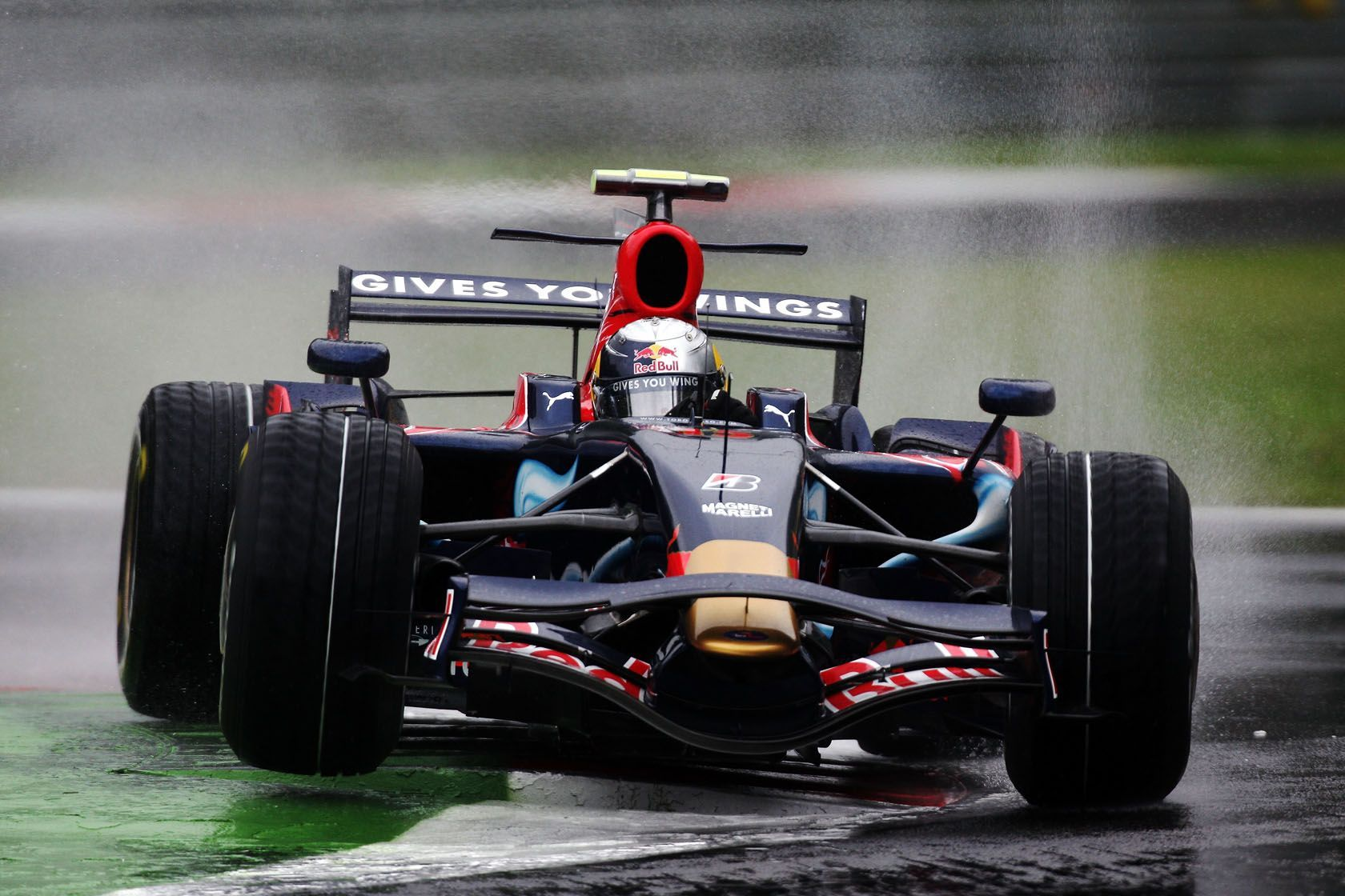 5 Formula 1 Cars That Surprisingly Won A Grand Prix (5 That Should Have, But Didn't)