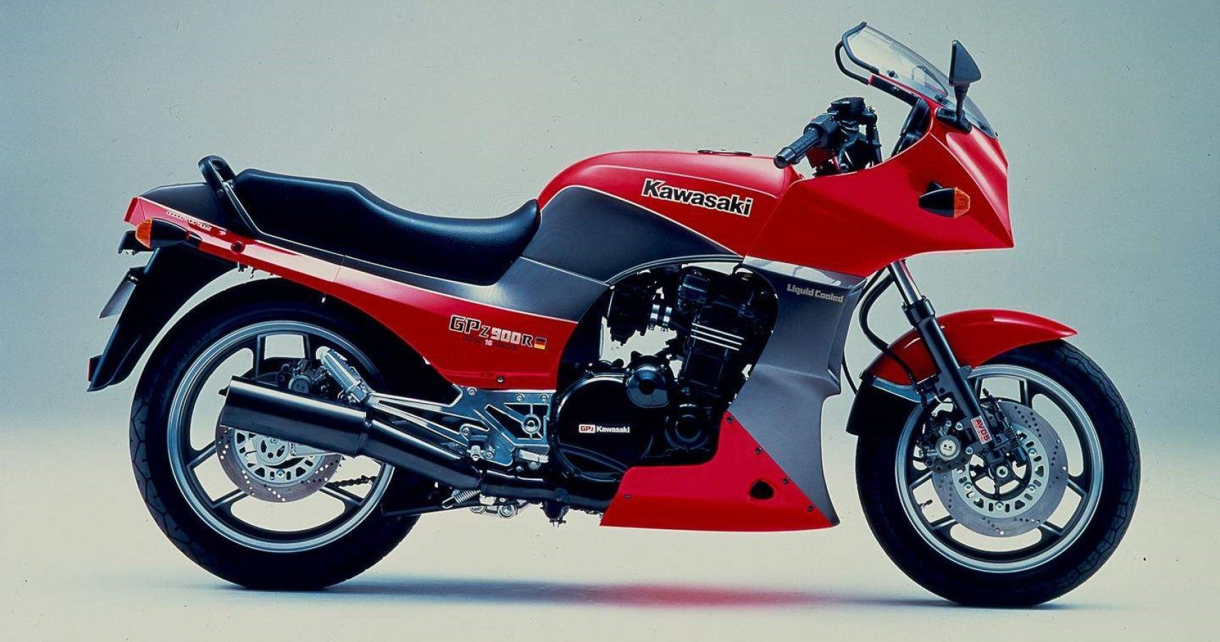 Here's What Made The Kawasaki GPZ900R Special | HotCars