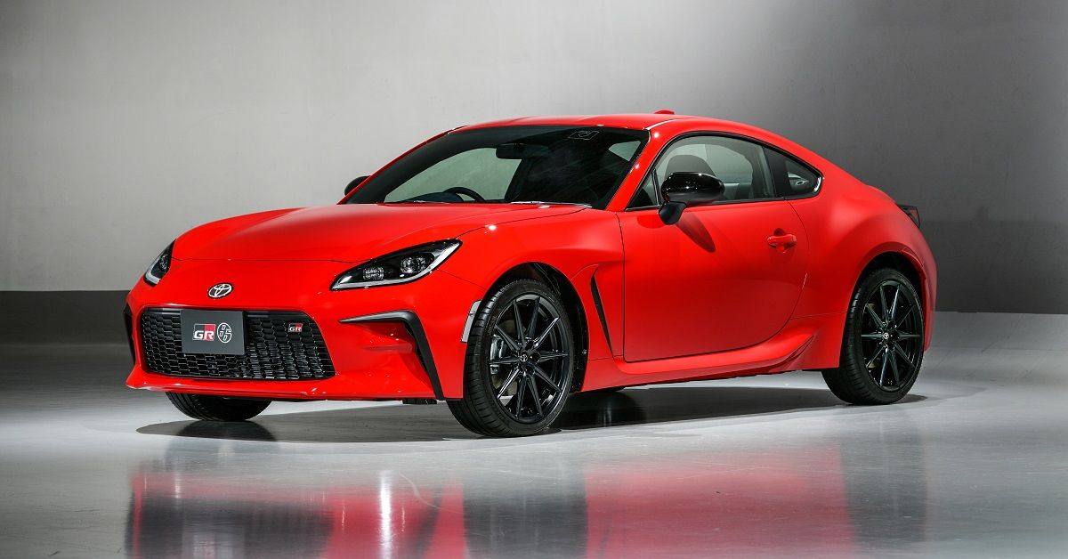 Here's How The Toyota 86 Compares With The Corvette C8 Z06