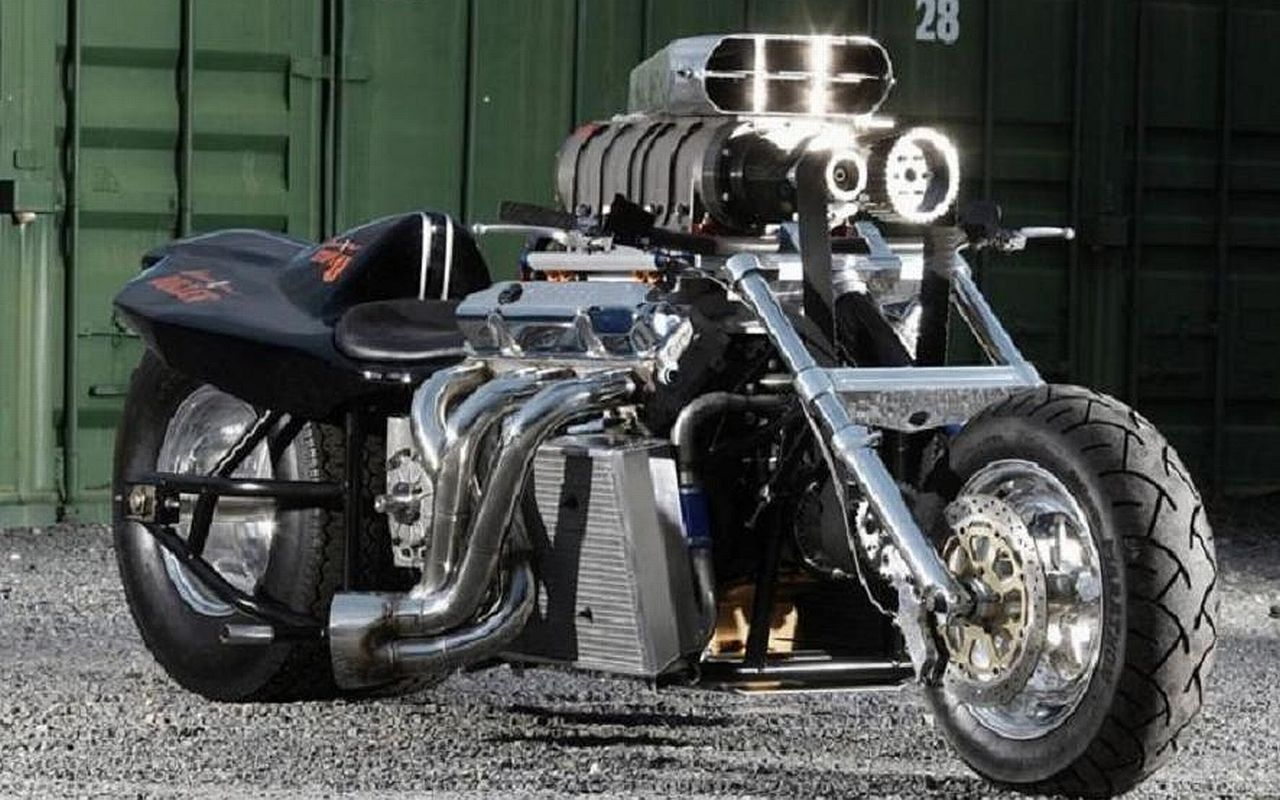 10 Overpowered Motorcycles Even The Pros Think Twice About Riding