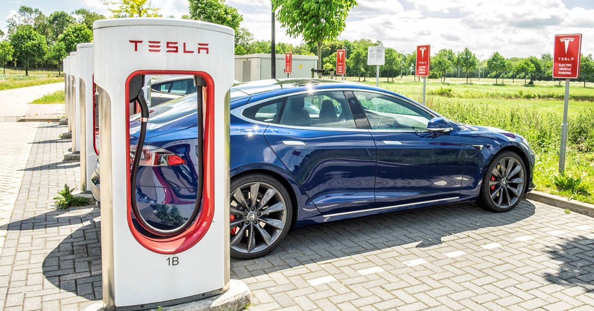 This Is How Much It Costs To Charge a Tesla | HotCars