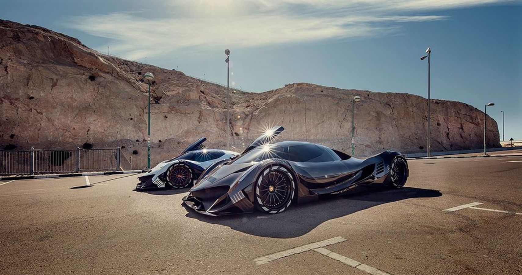 Here's What Makes The Devel Sixteen So Fast | HotCars
