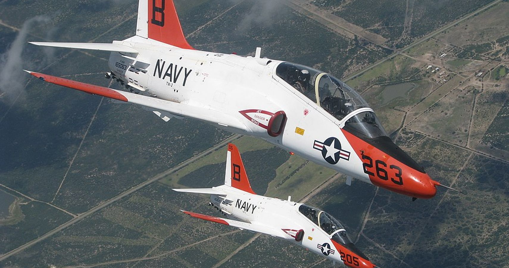 Two Military T-45 Goshawks Collide Midair In Texas   HotCars