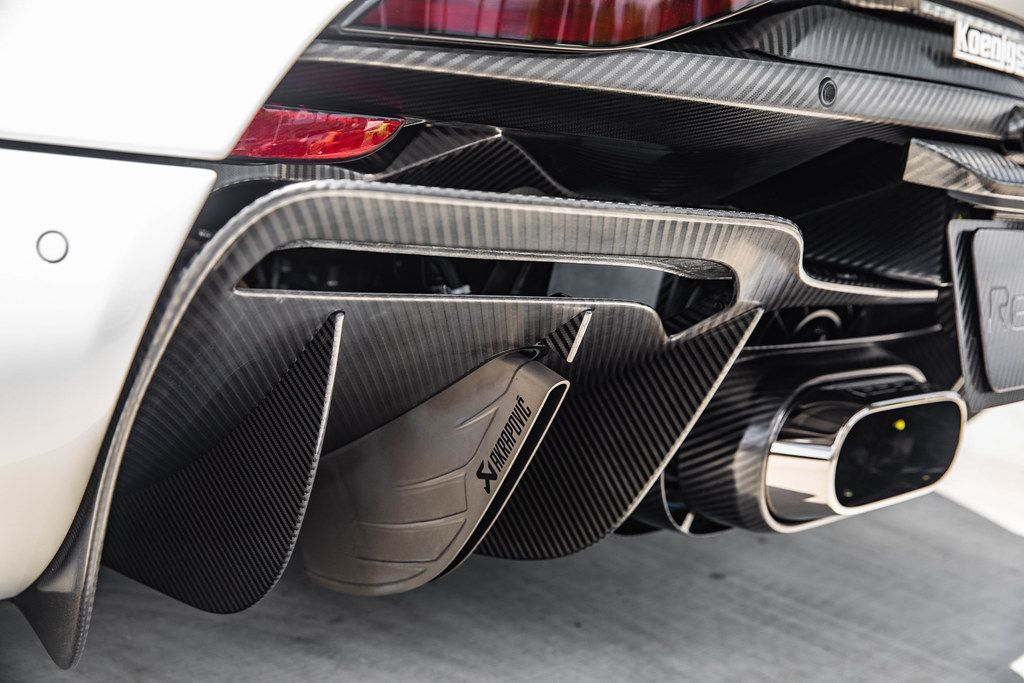 Automotive Industry's 10 Coolest Exhaust Pipes   HotCars