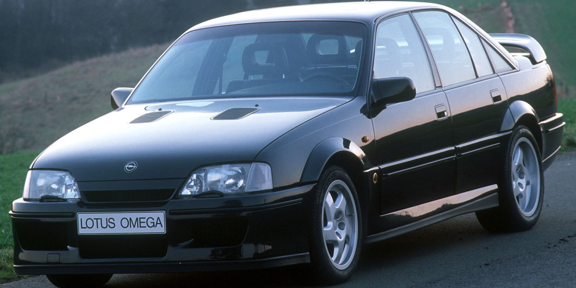 5 Awesome European Cars We'd Love To Have In The States (5 We Wouldn't Touch)