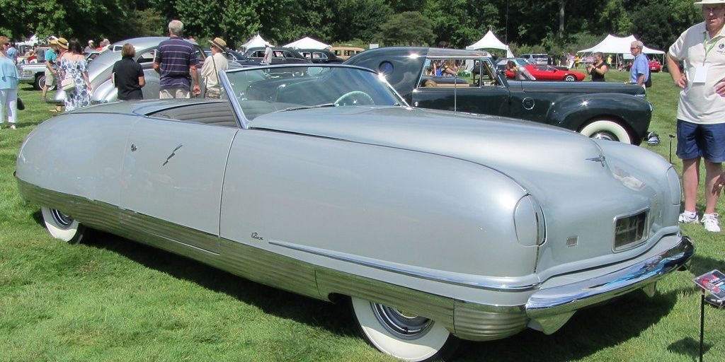 10 Weird American Cars And Their Most Unusual Feature