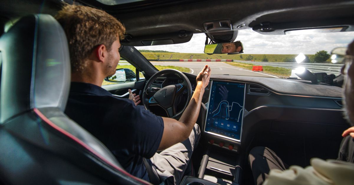 This Is Why Tesla Is Delaying Its Full Self-Driving Software